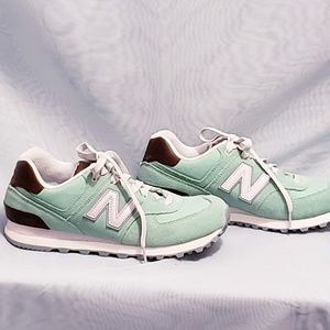 Nike Shoes - Nike new balance sneakers size 8💕🦄